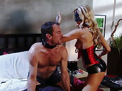 Hot blond Jessica Drake loves to use men for realizing her perverted dreams