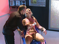 High powered dildo makes Anikka Albrite cum hard
