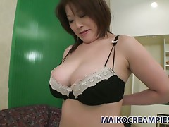 Japanese milf Hiromi Yoshio loves when her fancy gets tickled