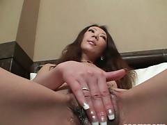 Long-haired milf skank Ryoko Matsuzaka masturbates