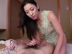 Horny Japanese babe Kaori Akitsu prefers kinky sex