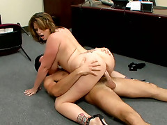 BBW Lisa Sparxxx getting pushed on office table and jumping on a cock