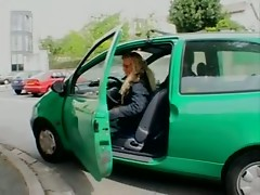 French mature fucks anally in a Twingo