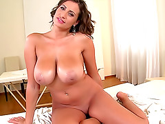 Big natural tits masseuse takes his dick