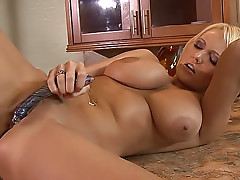 Hanna Hilton dildo bangs her wet pussy