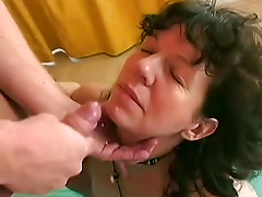 Hot hammering of a hairy mature cunt