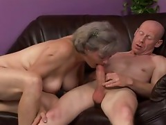 Granny plays with herself and a man, very soaked