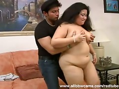 Plump Asian loves fucking and engulfing
