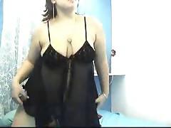 amena webcahat undress dance