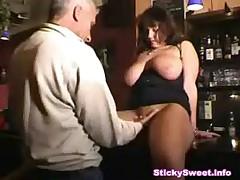 Hugetits Bar -