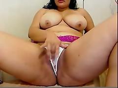 BBW Masturbates On Livecam