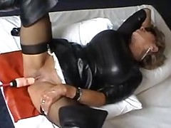 Mature Hooker Fucked With A Machine
