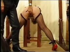 Yvette spank 01