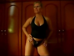 Madura puta bailando-Hot mature dance