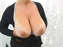 Amateur MILF Shows Her Giant Tits