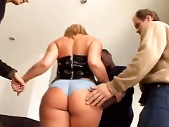 CUM SWALLOWING GANGBANG