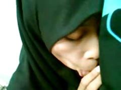 malay-aien hisap malu2
