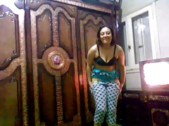 Arab Girl Show Her body
