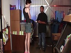 Short haired slut Zoe pleasured by a massive black rod