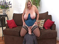 Blonde chubby slut with massive ass and tits sucks and fucks
