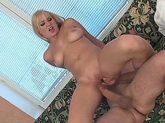 hot-beauties-2-sc6.720p w Daisy Blond