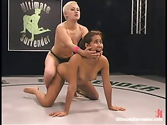 Dykes wrestle naked and fuck with strapon!