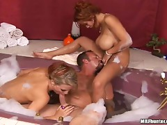 Dude has threesome with two hot-ass bitches