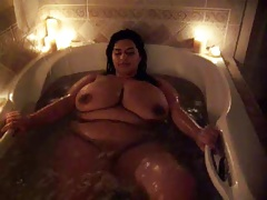 Sofia Rose Interviewed In The Bath