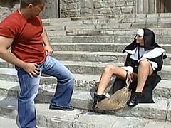 German - Nun