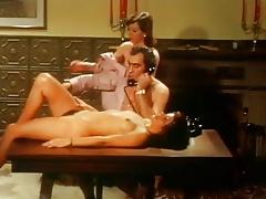 Hostesses in Heat (Bett Hostessen - 1972) English Dub