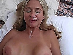 Horny wife babe receive a cumshot