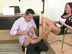 Sexy secretary Rio Lee gives footjob