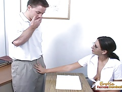 Teen slut shortens detention with a quality handjob
