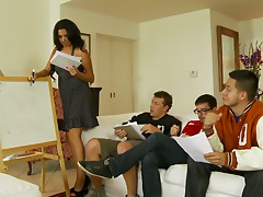 These students organise for a hot group sex after class