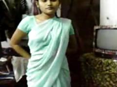 Indian Girl in Saree seducing