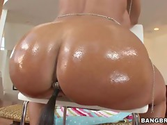 Sweet hot babe Lisa Ann getting horny and wet