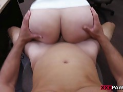 Massive tits woman nailed by pawn keeper