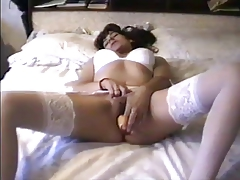 HOMEMADE SOLO DILDO  IN LINGERIE TO NOISY ORGASM AMATEUR