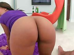 Busty ebony whore Catalina likes to have her pussy ravished