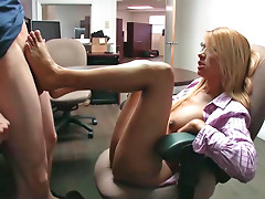 Experienced blonde Penelove gives a hot footjob to a hot guy
