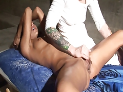 Little Pussy Massage  N15