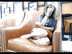 Hawt beauty with Ohmibod in public cafe (no nudity)