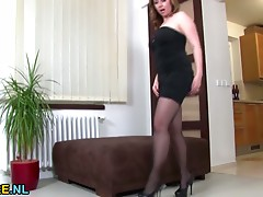 Brunette hair Cougar masturbating on the pouffe