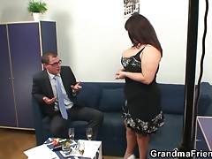 Obese mama double dicked after photosession