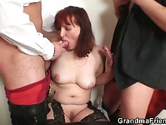 Old slut double penetration after card game