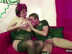 Mama Caught Ally of Daughter Jerk and Fuck