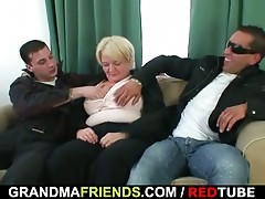 3some fuckfest with drunk old bitch