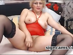 Sexy Golden-haired Older Copulates Cunt With Toy