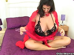 British cougar Lulu Lush and her large pantoons