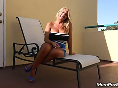 Large marangos MILF copulates behind the scenes
